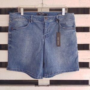 Max jeans. Mid rise, cotton blend jean shorts.